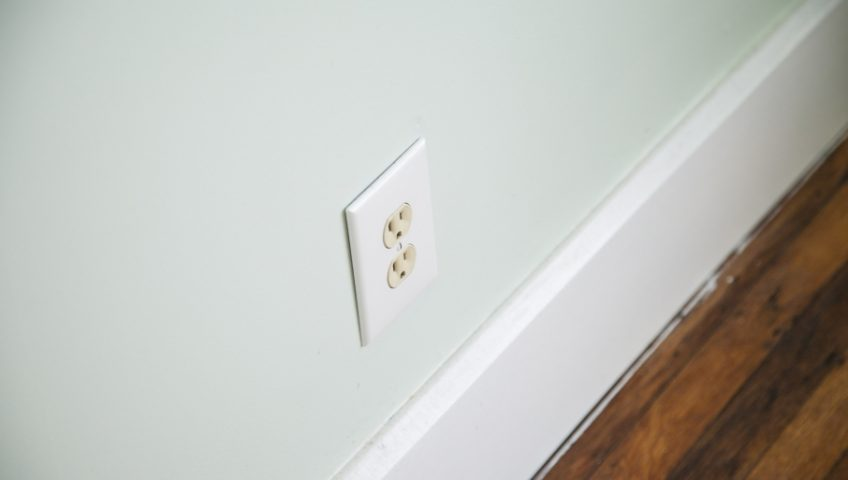 electrical outlet spark danger